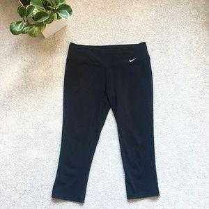 Nike black dri-fit capri leggings